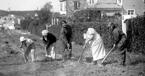 women-working